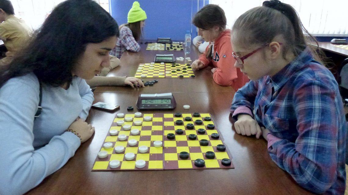 Первенство по стоклеточным шашкам