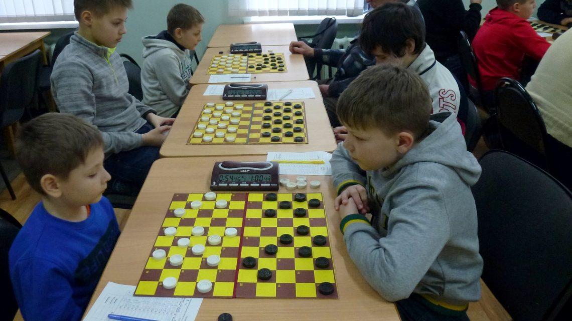 Итоги чемпионата по стоклеточным шашкам