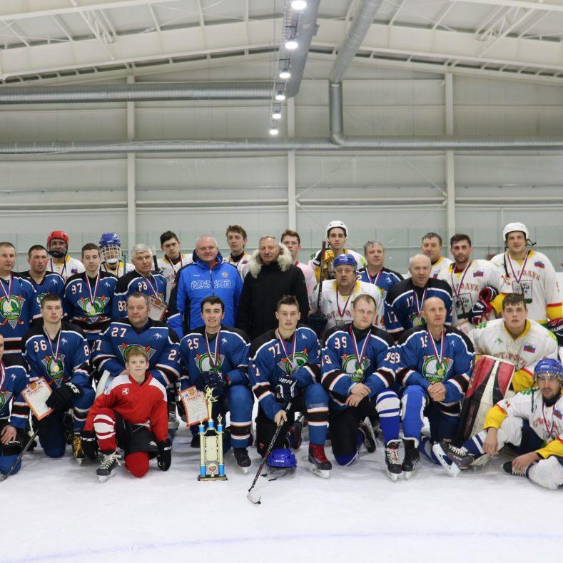 В Ледовом Дворце Стародуба прошли соревнования по хоккею