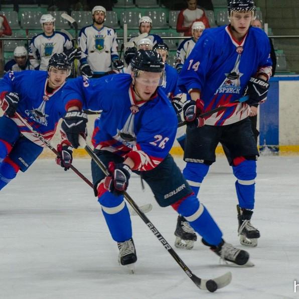 Победа брянской команды по хоккею на домашнем льду