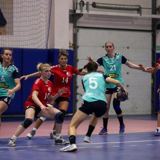 Чемпионат России по гандболу среди женских команд